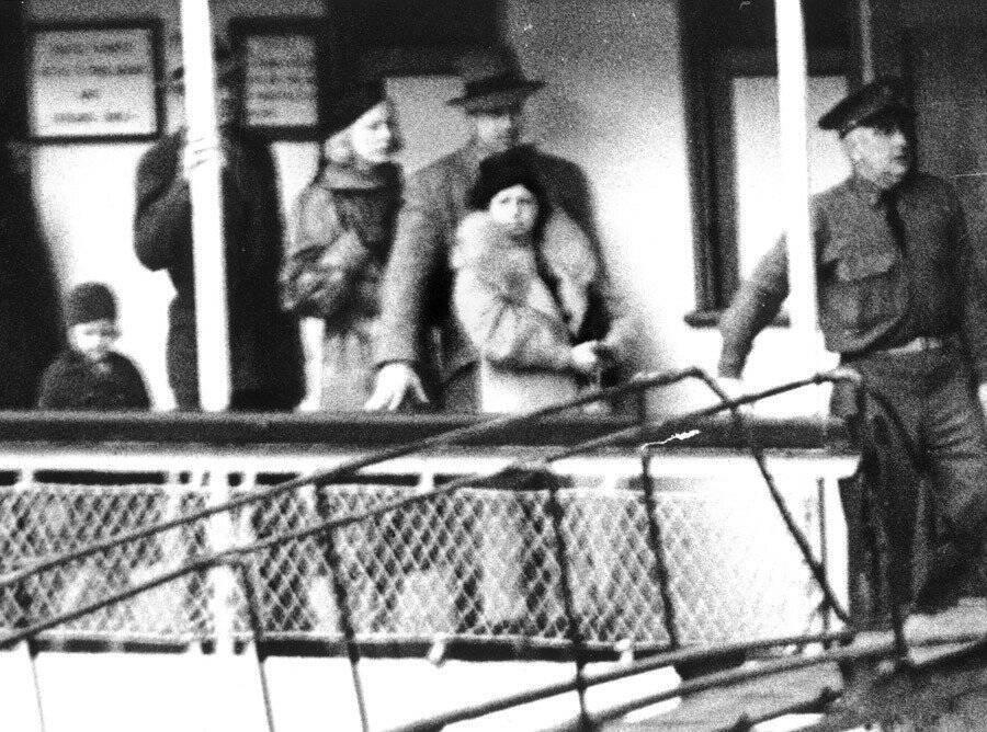 Albert Francis Capone Mother Visiting Husband