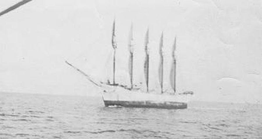This 'Ghost Ship' Crashed Near North Carolina In 1921 — With Only A Cat Aboard