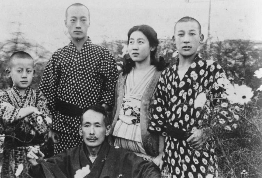 Kawashima Yoshiko Brothers