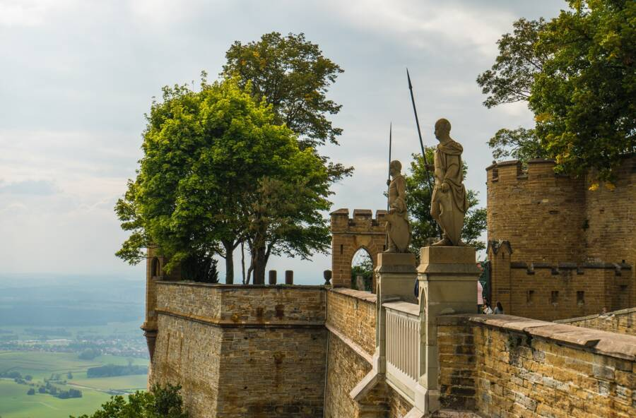 Hohenzollern Statues Lookout