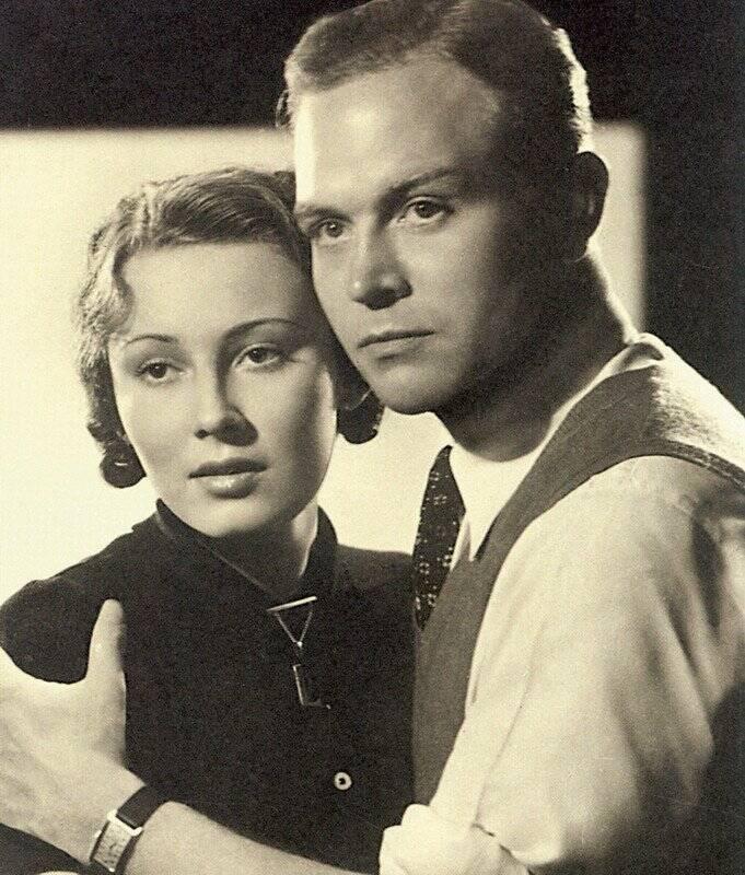 Lida Baarova And Gustav Froelich