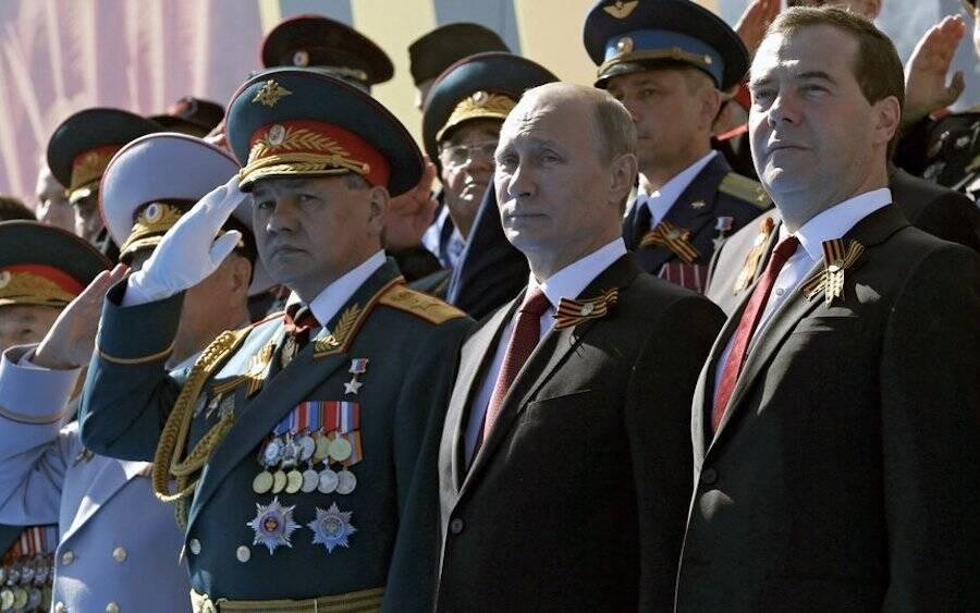 Sergei Shoigu e Vladimir Putin