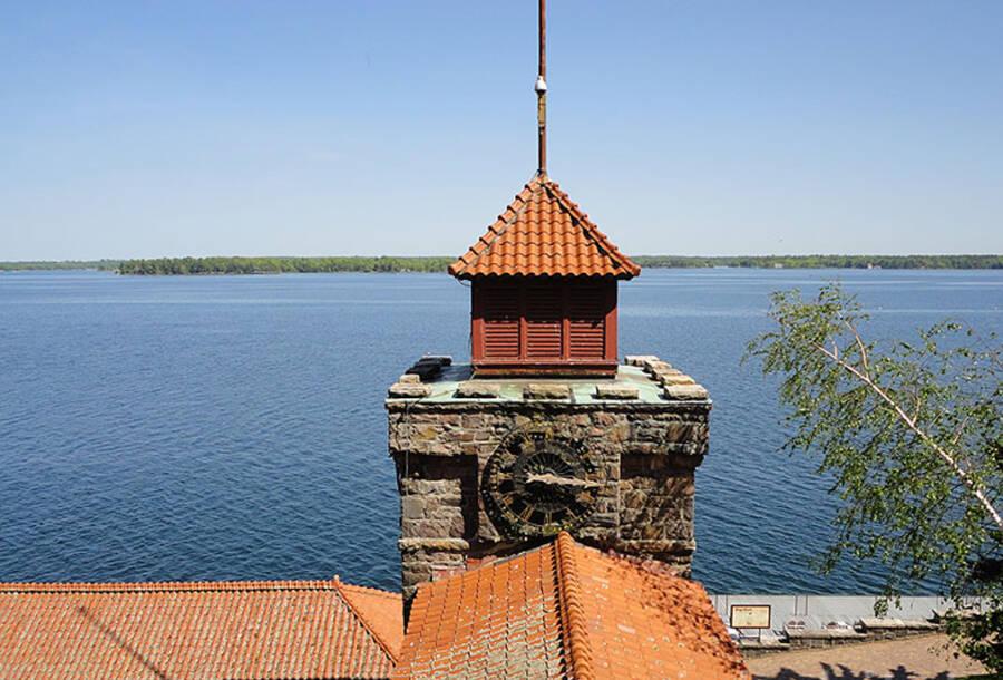 Clock Tower Singer Castle