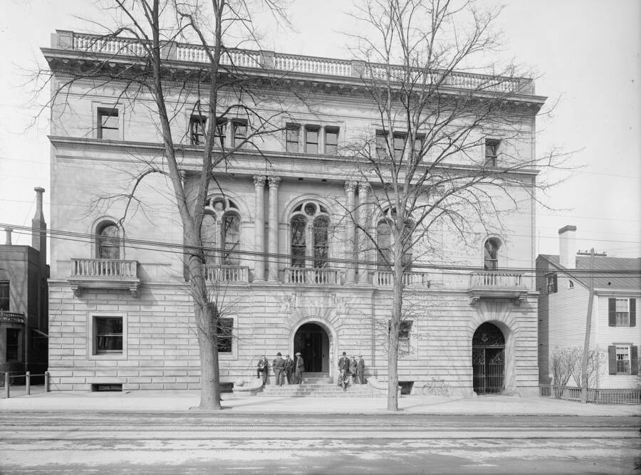Hendrie Hall Yale Law School