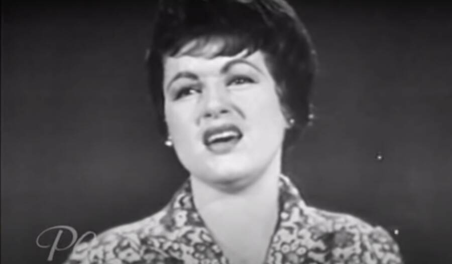 Patsy Cline Performing