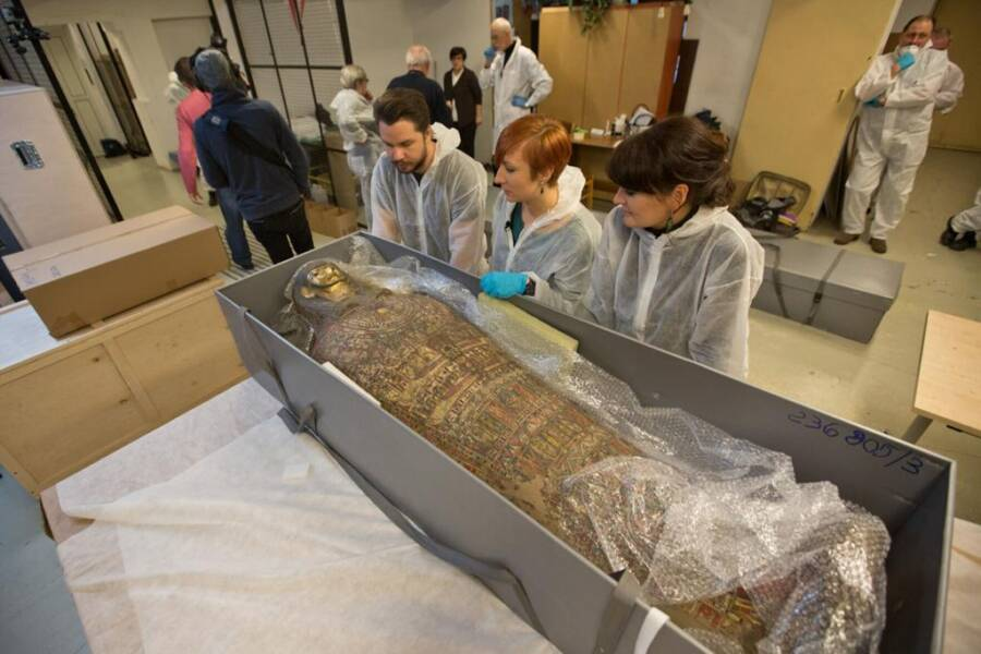 2,000-Year-Old Egyptian Mummy Turns Out To Be A Pregnant Woman In World First picture