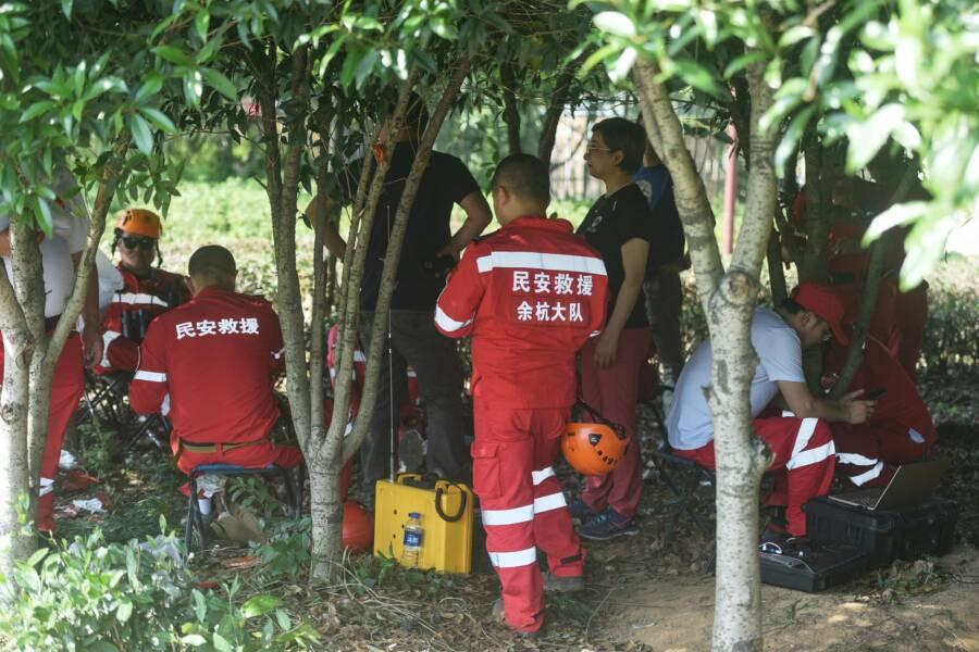Rescuers At Hangzhou Safari Park