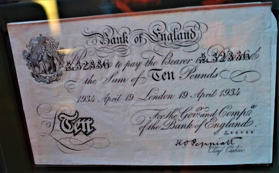Forged Ten Pound Note