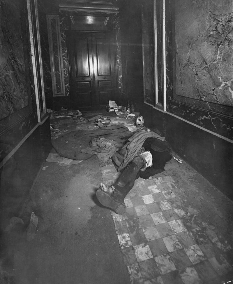 Alphonse Bertillon Crime Scene Photo In Hallway