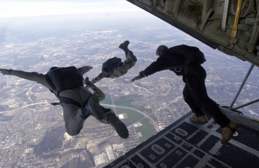 Halo Jump In Action