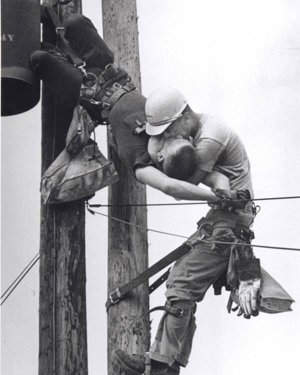 Historical Photos Kiss Of Life