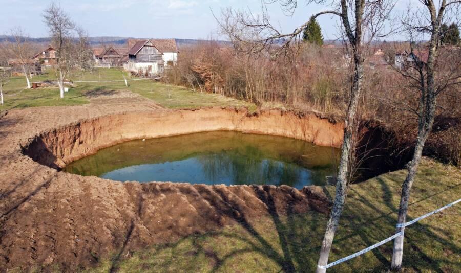 Mecencani Sinkhole