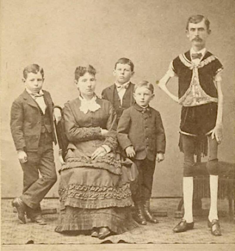 Thin Man And Family