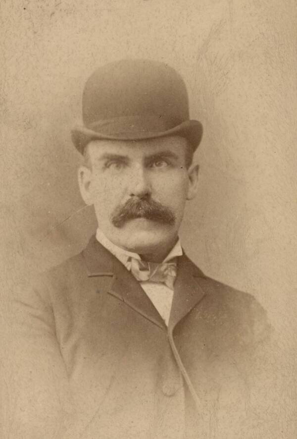 Thomas Neill Cream Picture