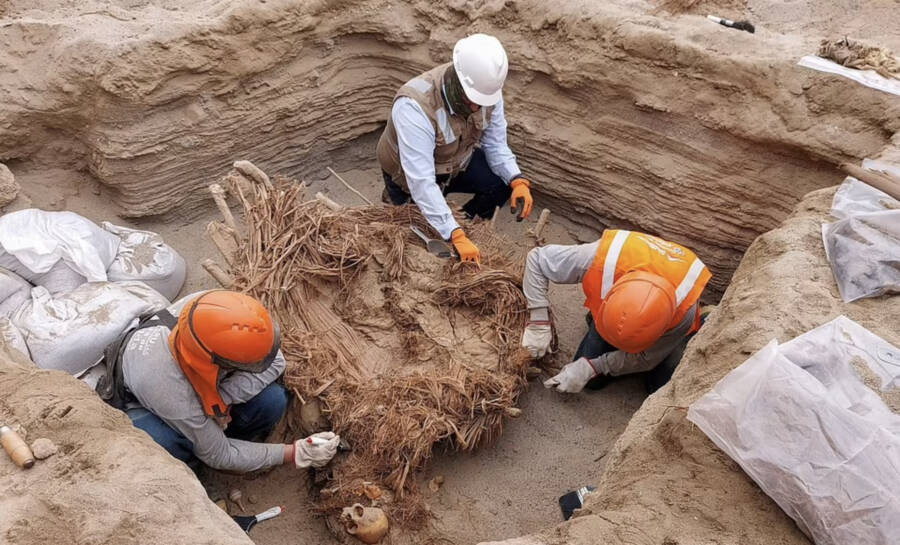 Calidda Workers In Chilca