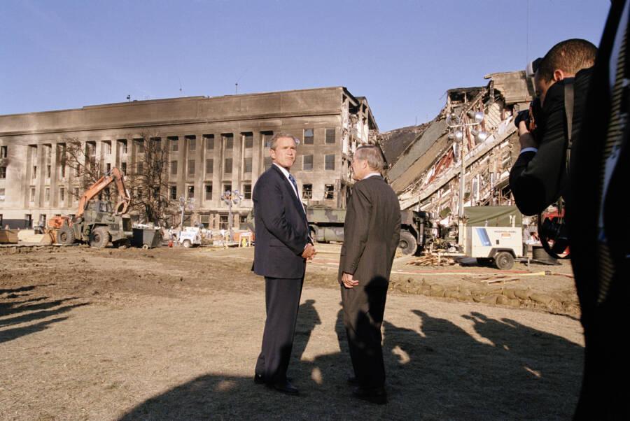 George Bush And Donald Rumsfeld At Pentagon Crash Site