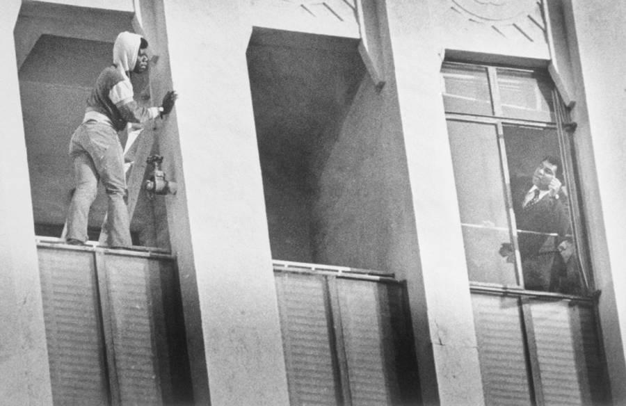 Muhammad Ali Helps Suicidal Man