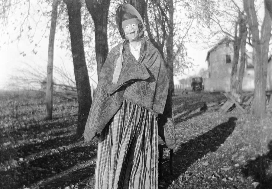 Creepy Scary Pictures Vintage Halloween Costume