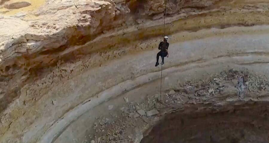 Cave Explorers Descend Into Yemen's 'Well Of Hell' For The First Time