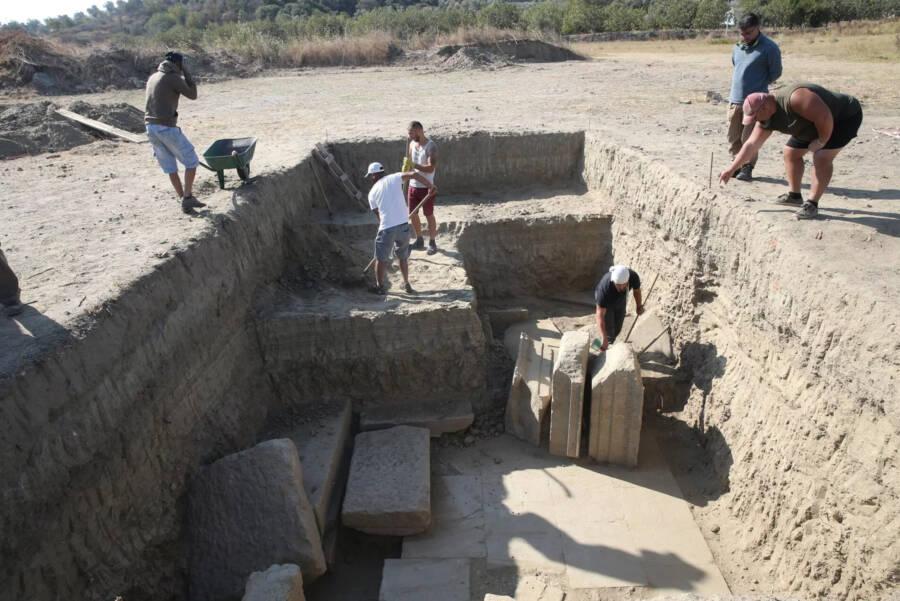 Digging At Magnesia Temple Of Zeus