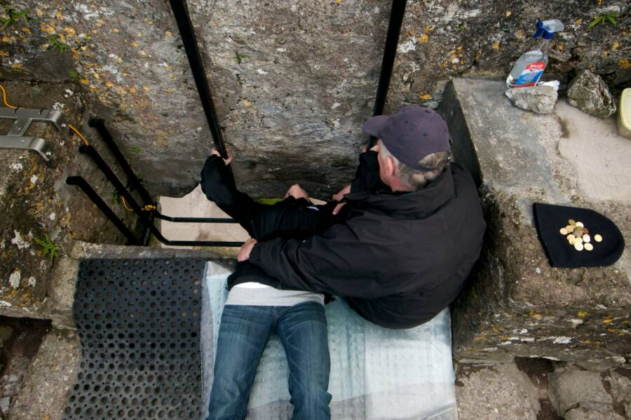 The Blarney Stone Guide And Kisser